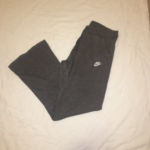gray women's nike sweats! new condition!